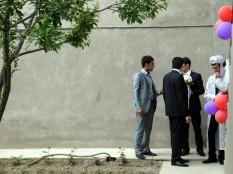 Der Bräutigam im traditionellen Gewand